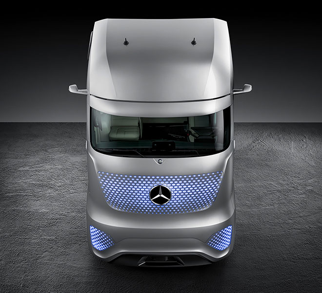 Mercedes camion autonome look Daft Punk