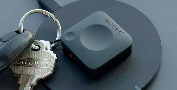 montre connectee bouton Pebble Core hacker